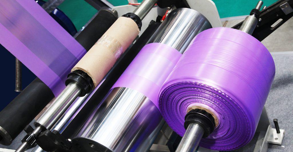 Proceso de transformación de plásticos y composites